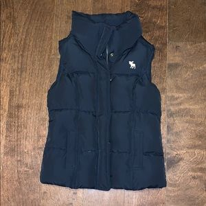 Girls Abercrombie navy down vest